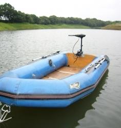 インフレータブルボート(ゴムボート)4人乗り