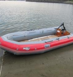 インフレータブルボート(ゴムボート)6人乗り