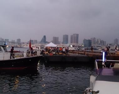 各種船を使った撮影の運航スタッフを手配します
