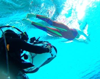 水中カメラマン手配