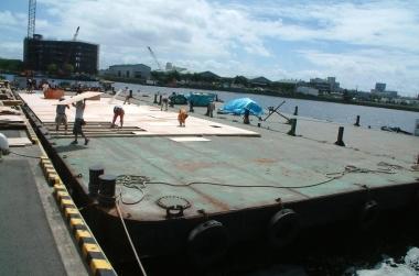 平台船を使った撮影 船舶撮影 |ジール撮影事業部