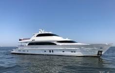 105 Super Monaco 大型豪華クルーザー